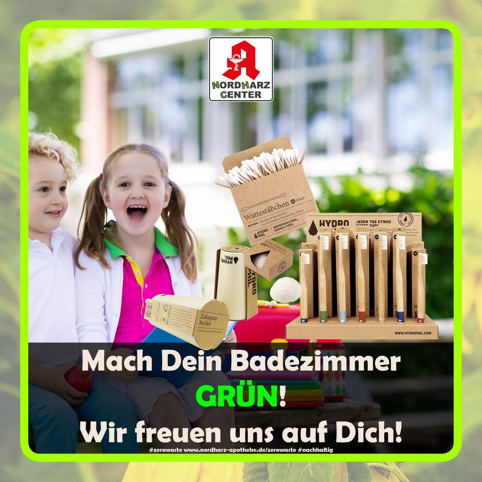 lachende Kinder mit nachhaltigen Produkten der Apotheke im Nordharz Center